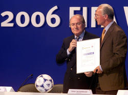 Die WM-Vergabe im Jahr 2000 sorgt weiter für Schlagzeilen