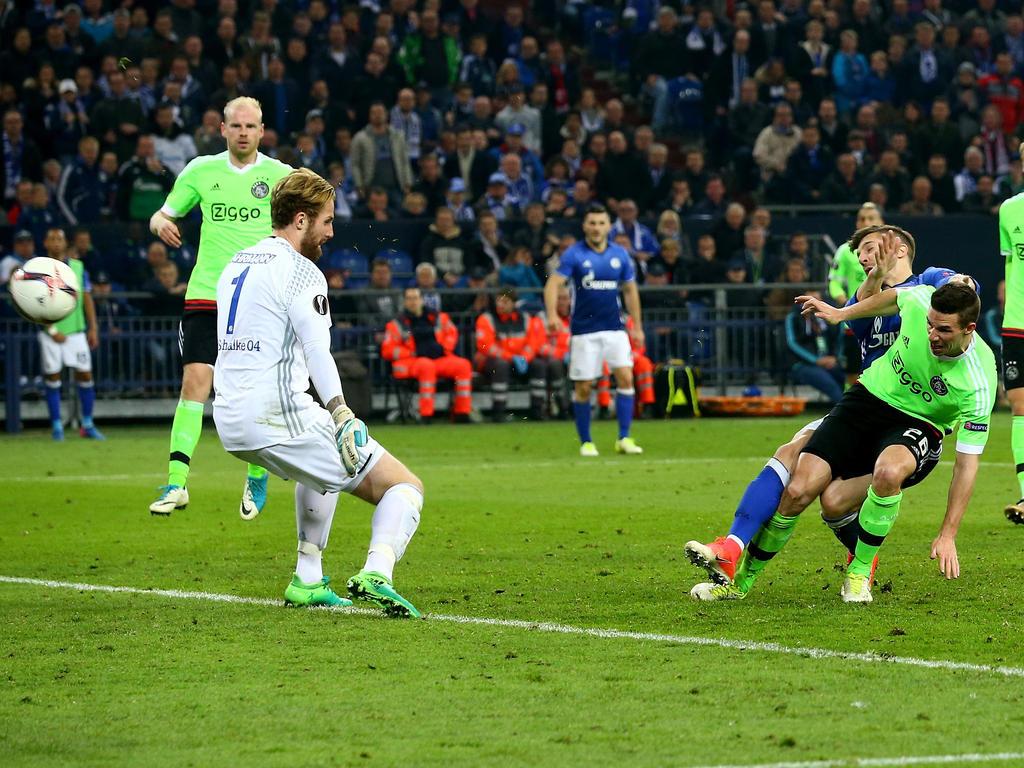 Nick Viergever (re.) erzielte in der Verlängerung das vorentscheidende 1:3 für Ajax Amsterdam