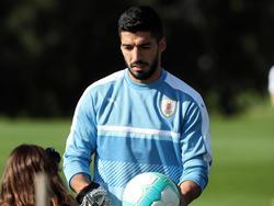 Luis Suárez en un entrenamiento de hace dos días con su selección. (Foto: Imago)