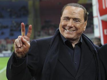 Milan-Boss Silvio Berlusconi denkt über einen Rückzug aus dem Verein nach
