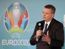 DFB-Boss Grindel hat einen Design-Wettbewerb angekündigt