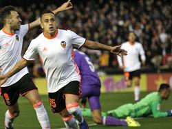 Orellana marcó el segundo del Valencia. (Foto: Getty)