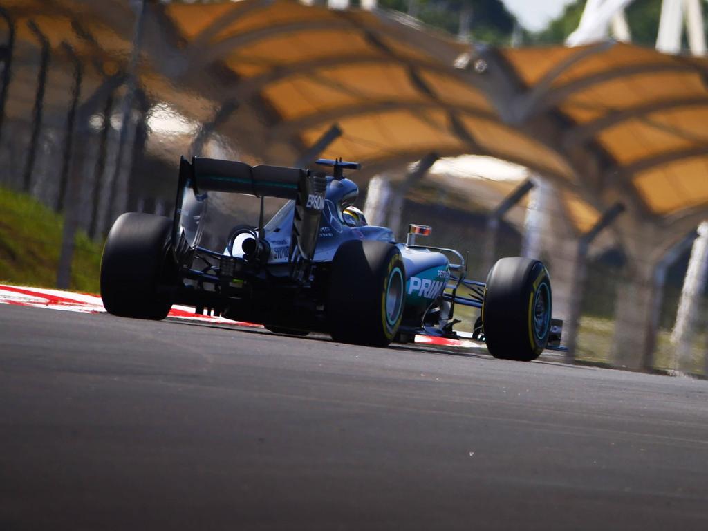 Lewis Hamilton fuhr in der zweiten Trainingseinheit an die Spitze