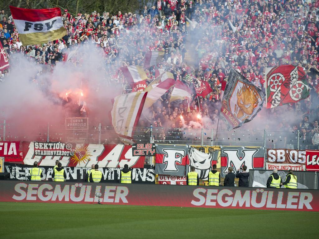 Fußball   Sportgericht verhängt Geldstrafen gegen Frankfurt und Mainz