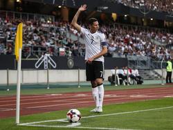 Julian Draxler trägt die Binde beim Confed Cup