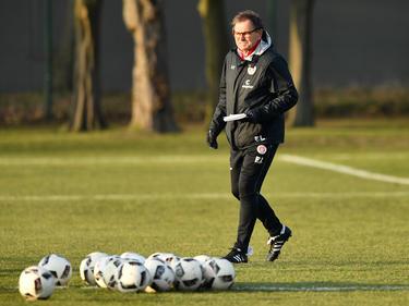 Pauli-Trainer Ewald Lienen kritisiert die Debatte um Daniel Stendel
