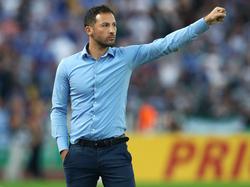 Schalkes Trainer Domenico Tedesco gehen die Stürmer aus