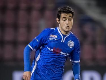 De jonge Zija Azizov in actie voor FC Den Bosch tegen Helmond Sport. (09-12-2016)