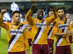 Achilles-spelers Elders, Kortstam en Amaarouk vieren feest na wedstrijd tegen De Graafschap (3-3)