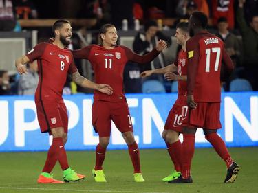 US-Profi Clint Dempsey (l.) traf dreifach gegen Honduras