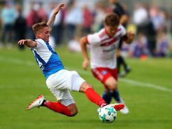 Spielt bis 2019 in Kiel: Manuel Janzer (li.)
