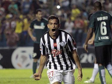 Jorge González celebra un tanto en la Copa Libertadores. (Foto: Getty)