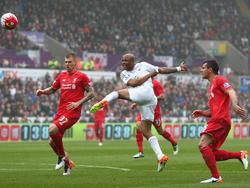 Swanseas André Ayew (M.) traf gegen Liverpool doppelt