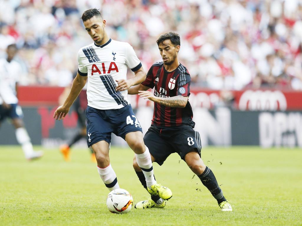 Nabil Bentaleb (l.) soll Kompaktheit ins Schalke-Mittelfeld bringen