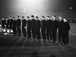Hans Tilkowski und Co. vor dem Vergleich mit Benfica am 04. Dezember 1963