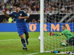 Agüero celebra un tanto en un amistoso contra Alemania. (Foto: Getty)