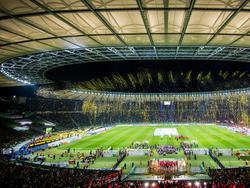 Ins Stadion passen 76197 Zuschauer