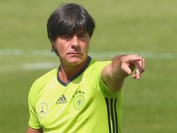 Joachim Löw bereitet seine Mannschaft akribisch auf den Angstgegner vor
