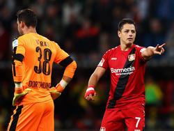 Frust und Lust: BVB-Keeper Bürki (l.) wurde von Javier Hernández bezwungen