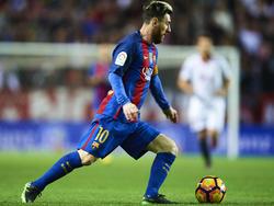 """Lionel Messi hat links jetzt einen schwarzen """"Stützstrumpf"""" tätowiert"""
