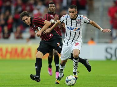 Renato Augusto (r.) wechselt nicht zum FC Schalke 04