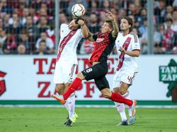 Dave Bulthuis (r.) fehlt dem 1. FC Nürnberg für ein Spiel