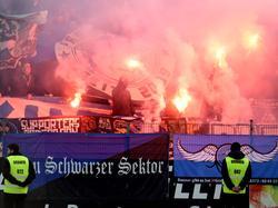 Für das Zünden von Pyrotechnik verhängte das Sportgericht des DFB eine Strafe von 1000 Euro