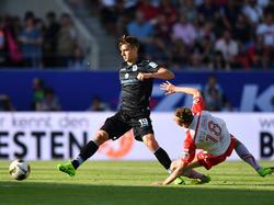 Florian Neuhaus (l.) unterschreibt offenbar bei Borussia Mönchengladbach