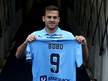 """""""Bobo"""" da Silva, presentado con el Sídney FC. (Foto: Getty)"""