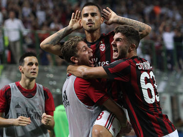 Der AC Mailand besiegte Cagliari Calcio mit 2:1