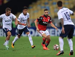 Diego (2.v.r.) kam mit Flamengo im Final-Rückspiel der Copa Sudamericana nicht über ein Remis hinaus