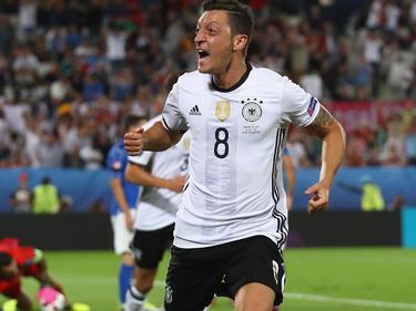 Mesut Özil wurde zum Nationalspieler des Jahres gewählt