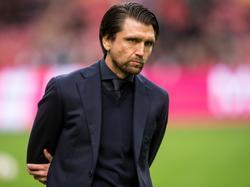 Peter Hyballa ziet dat zijn NEC ondersteboven wordt gelopen door Ajax. Het staat na een kleine veertig minuten spelen al 3-0 in de Amsterdam ArenA. (20-11-2016)