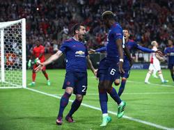 En la imagen los goleadores Mkhitaryan (izq.) y Pogba. (Foto: Getty)