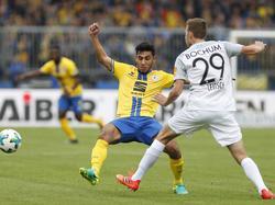 Özkan Yildirim (l.) erzielte den Braunschweiger Siegtreffer