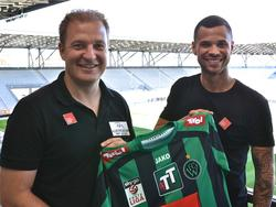 Wackers Sportdirektor Florian Klausner freut sich über den Transfer von Marco Sahanek (Foto: Wacker Innsbruck)