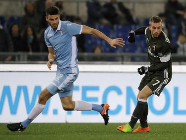 Gerard Deulofeu (drch.) en el partido en Roma ante la Lazio. (Foto: Getty)