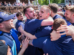 Holstein Kiel steigt nach 36 Jahren wieder in die 2. Bundesliga auf