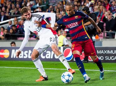 Der Wechsel von Neymar (r.) zum FC Barcelona wird untersucht