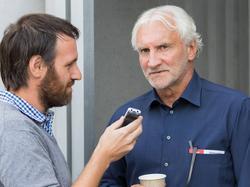 Rudi Völler (r.) sieht kaum eine Chance gegen die Überlegenheit der Bayern