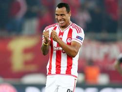 Felipe Pardo von Olympiakos Piräus freut sich umsonst