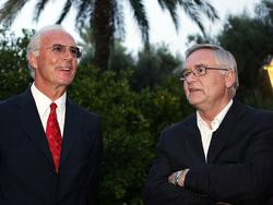 Ex-DFB-Generalsekretär Schmidt (r.) nimmt Beckenbauer in Schutz