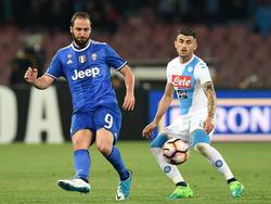 Gonzalo Higuaín (l.) sicherte mit seinen Toren das Final-Ticket für Juventus