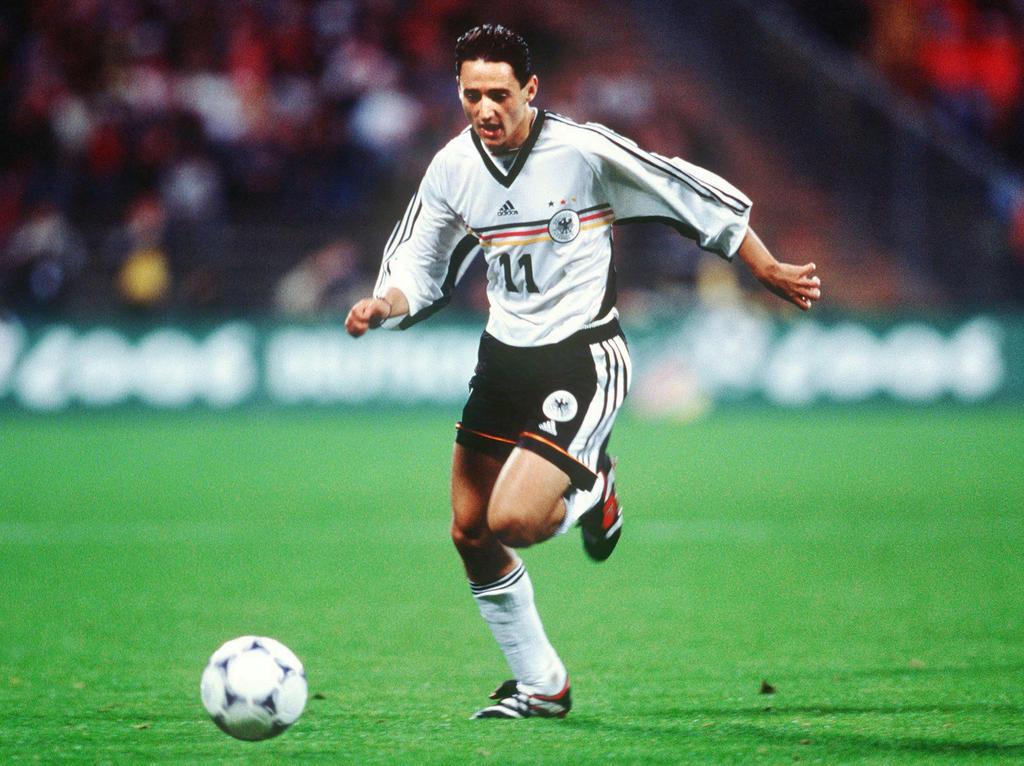 ANGRIFF: Oliver Neuville (Bayer Leverkusen)