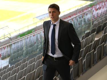 """Hier noch im feinen Zwirn, freut sich Alessandro Schöpf auf seinen ersten Länderspieleinsatz """"daheim"""""""