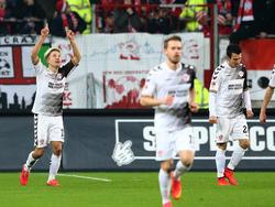 Mark Rzatkowski erzielt St. Paulis Siegtreffer