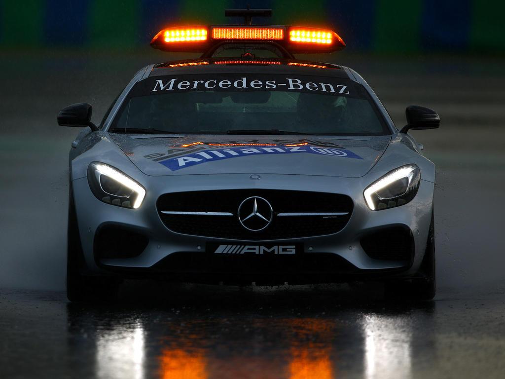 Während des verregneten Qualifyings musste das Safety Car ran