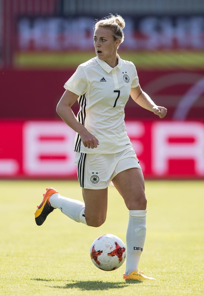 ABWEHR: Carolin Simon | 24 Jahre alt (SC Freiburg)