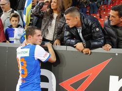 Granit Xhaka trifft bei der EM 2016 auf seinen Bruder (l.)