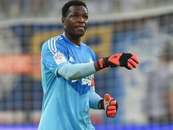 Steve Mandanda made a club record 453rd appearance